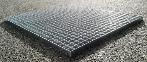 Podlahový rošt - ocel / 33.00 x 33.00 / 30.00 x 2.00 / 700.0 x 1000.0