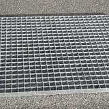 Podlahový rošt - ocel / 33.00 x 33.00 / 30.00 x 3.00 / 1200.0 x 1000.0